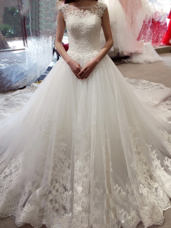 Ball Gown Bateau Long Tulle Wedding Dress