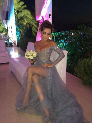 A-Line/Princess Off-the-Shoulder Long Sleeves Long Tulle Dress