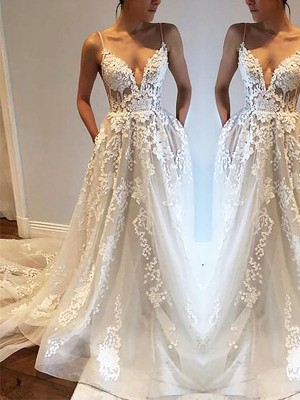 A-Line/Princess Spaghetti Straps Long Tulle Wedding Dress