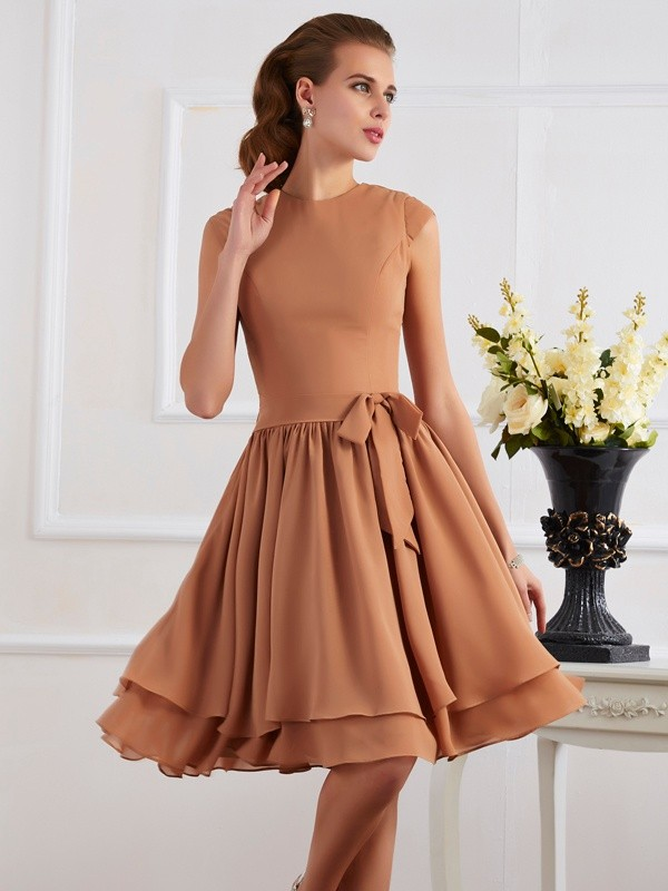 Sheath/Column High Neck Short Chiffon Bridesmaid Dress