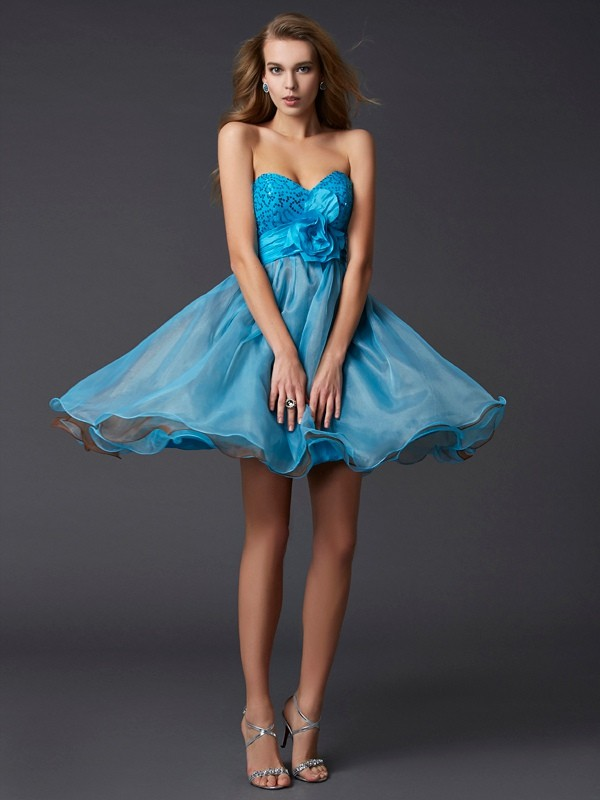 A-Line/Princess Sweetheart Lace Short Taffeta Cocktail Dress