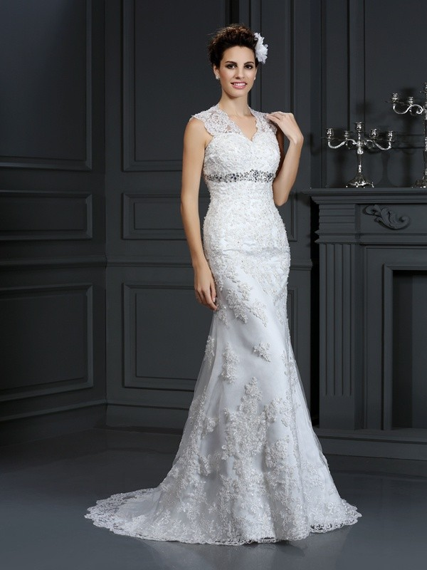 Sheath/Column V-neck Long Lace Wedding Dress