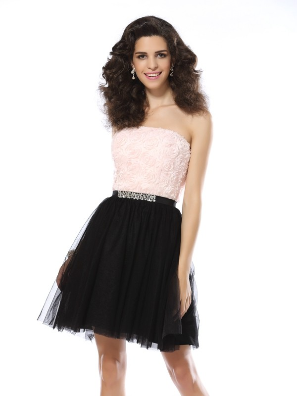 A-Line/Princess Strapless Short Tulle Cocktail Dress