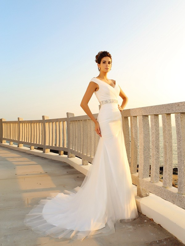 Sheath/Column V-neck Long Net Beach Wedding Dress