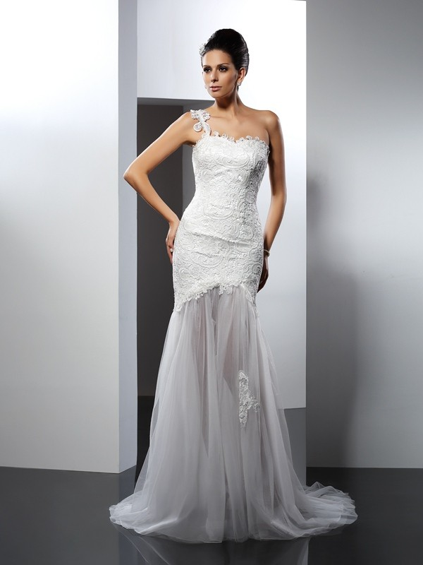 Mermaid One-Shoulder Lace Long Lace Wedding Dress