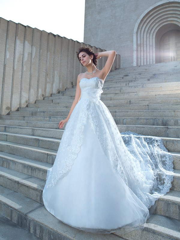 Ball Gown Sweetheart Lace Long Lace Wedding Dress