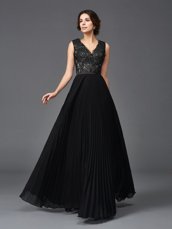 A-Line/Princess V-neck Lace Long Chiffon Mother of the Bride Dress