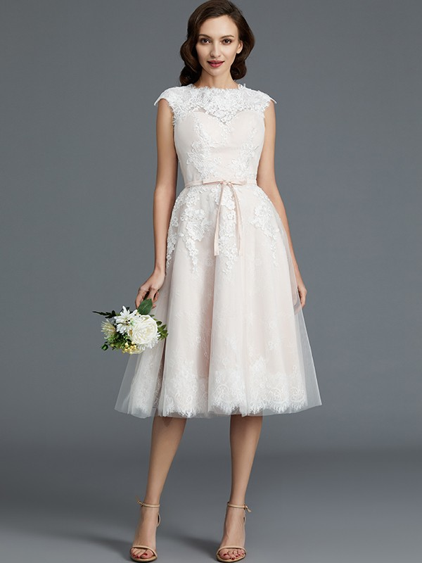 A-Line/Princess Bateau Short Tulle Wedding Dress