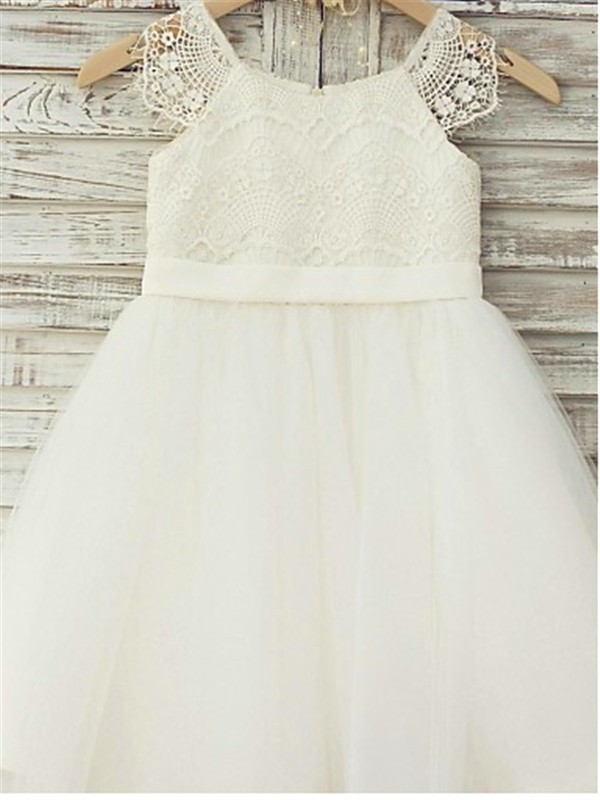 A-Line/Princess Scoop Lace Short Tulle Flower Girl Dress