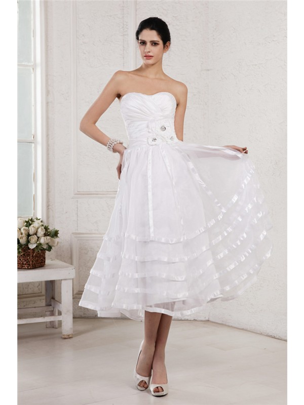A-Line/Princess Strapless Short Organza Taffeta Wedding Dress