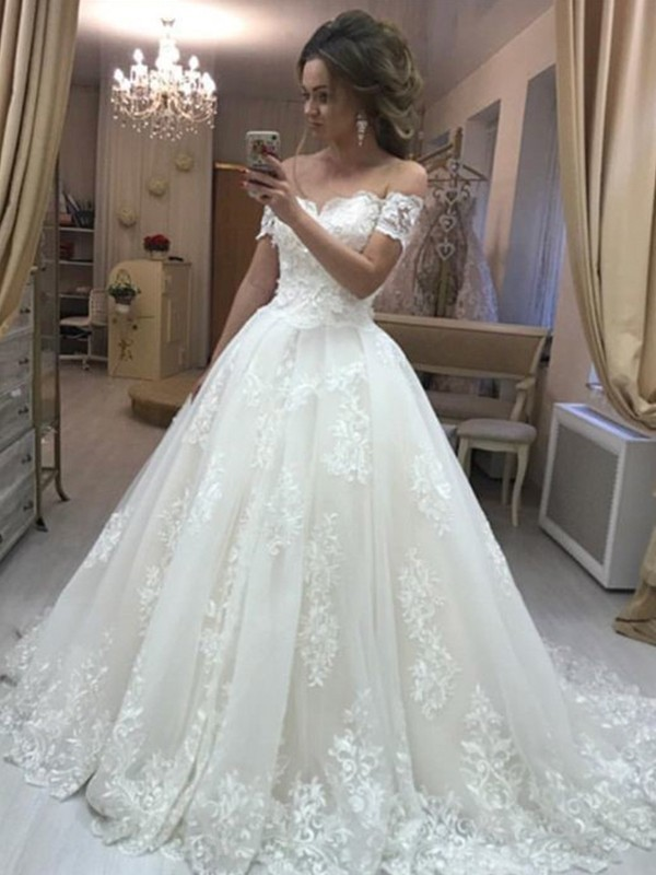 A-Line/Princess Off-the-Shoulder Long Tulle Wedding Dress