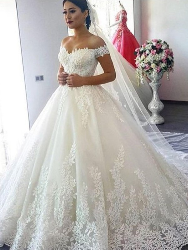 Ball Gown Off-the-Shoulder Long Tulle Wedding Dress