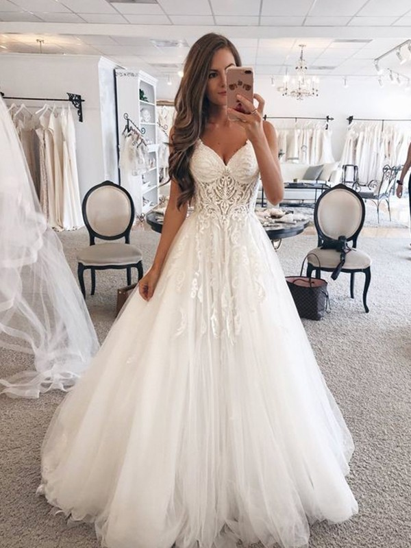 A-Line/Princess Sweetheart Long Tulle Wedding Dress