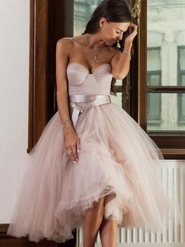 A-Line/Princess Tulle Sweetheart Tea-Length Dress