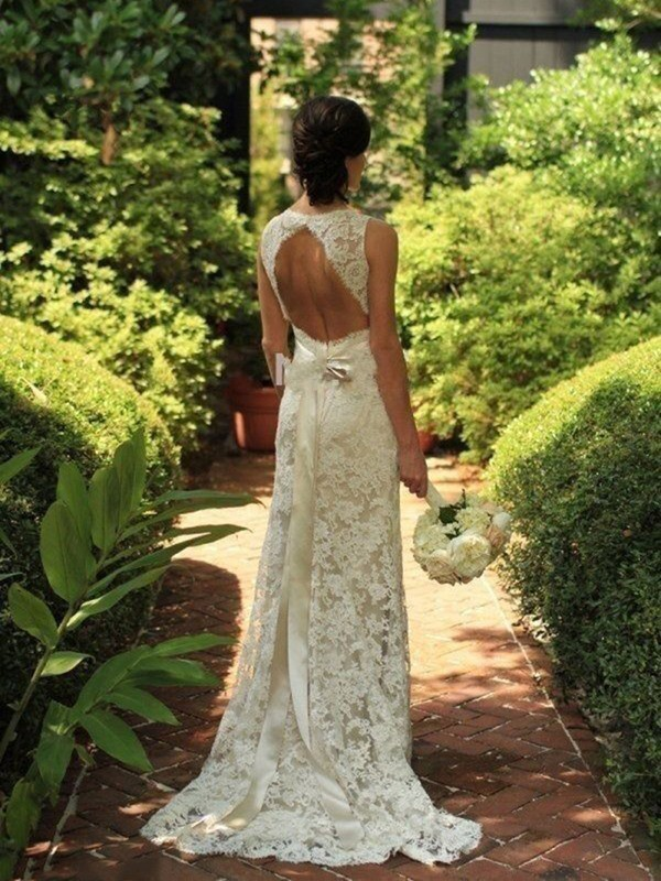 Sheath/Column Lace V-neck Long Wedding Dress
