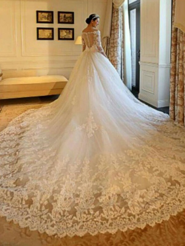 Ball Gown Off-the-Shoulder Long 3/4 Sleeves Tulle Wedding Dress