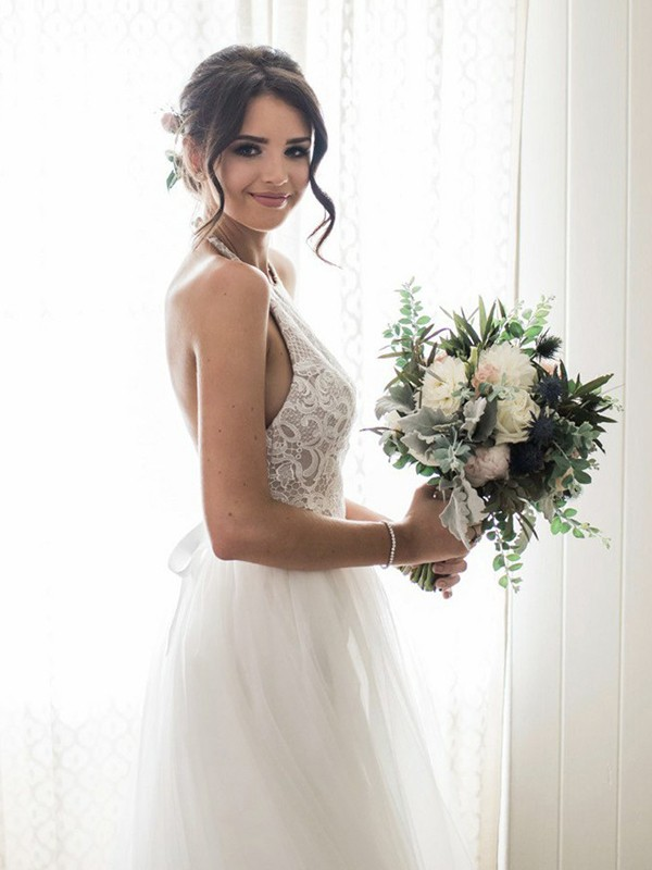 A-Line/Princess Tulle Halter Long Wedding Dress
