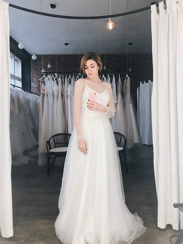 A-Line Scoop Long Sleeves Long Tulle Beading Wedding Dresses