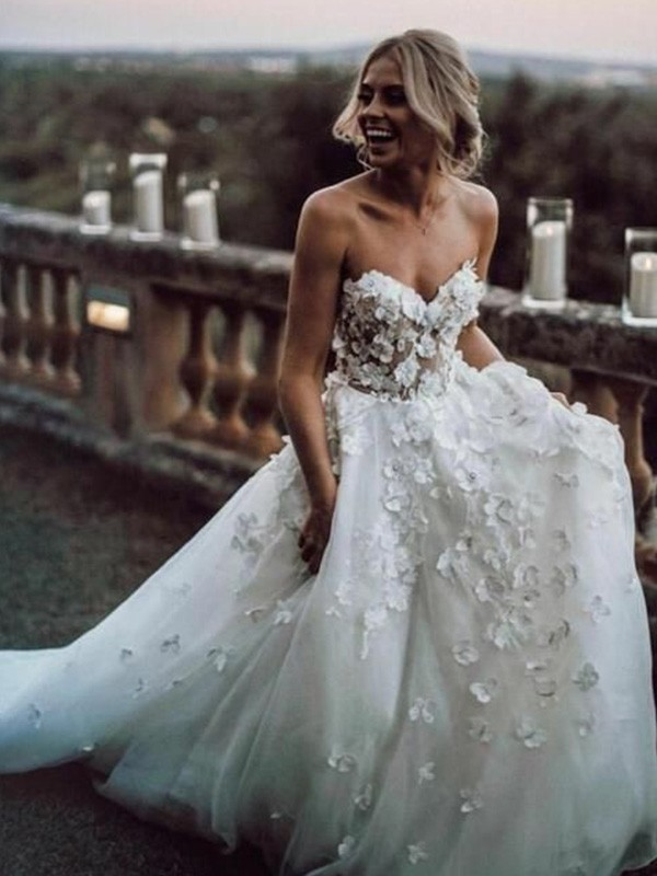 A-Line Sleeveless Sweetheart Long Tulle Applique Wedding Dresses