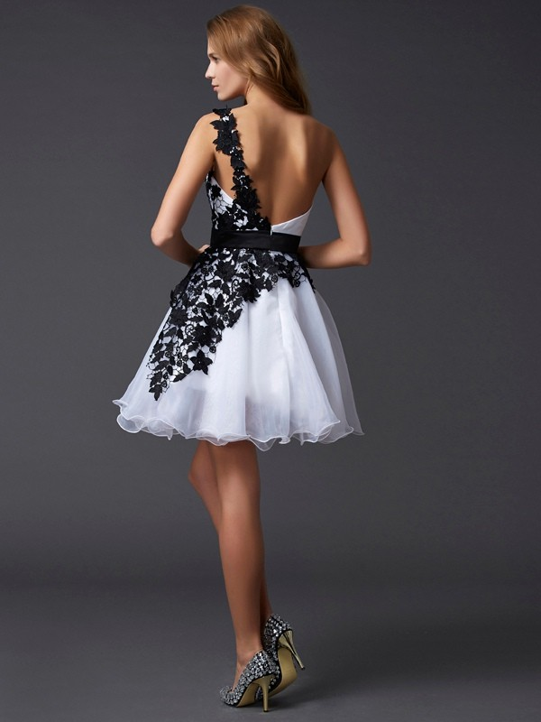 A-Line/Princess One-Shoulder Lace Short Organza Cocktail Dress