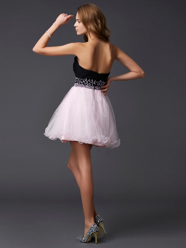 A-Line/Princess Sweetheart Short Elastic Woven Satin Cocktail Dress