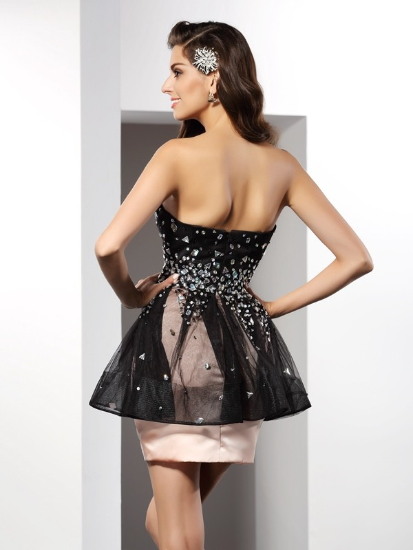 Sheath/Column Sweetheart Short Satin Cocktail Dress