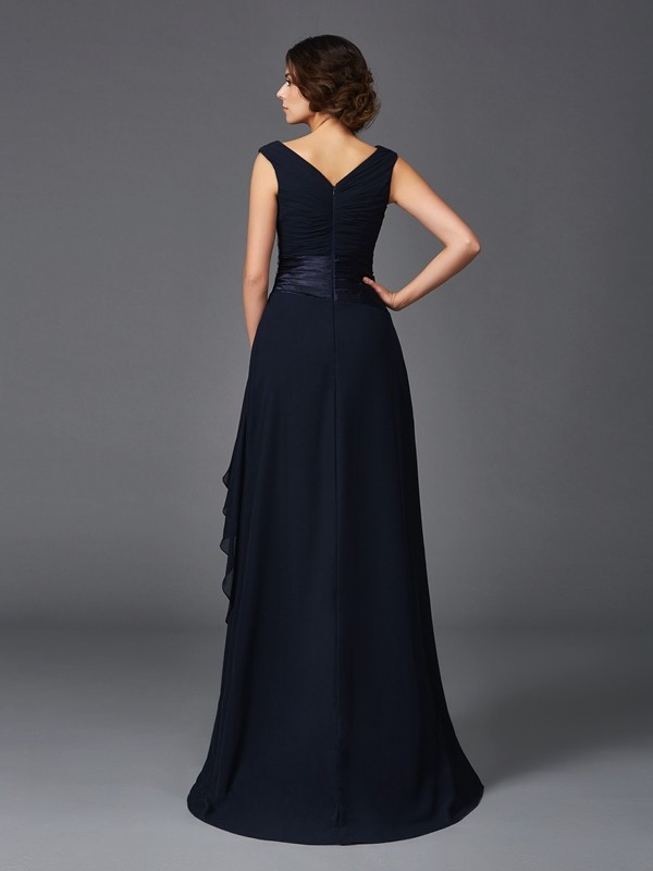 A-Line/Princess V-neck Long Chiffon Mother of the Bride Dress