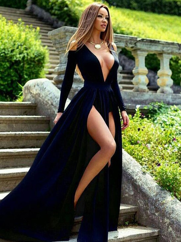 A-Line/Princess Long Sleeves V-neck Long Dress