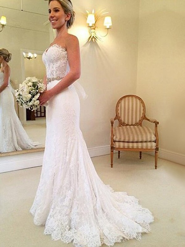 Sheath/Column Sweetheart Long Lace Wedding Dress
