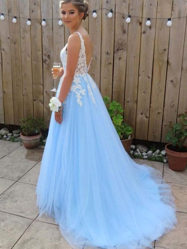 A-Line/Princess V-neck Long Tulle Dress