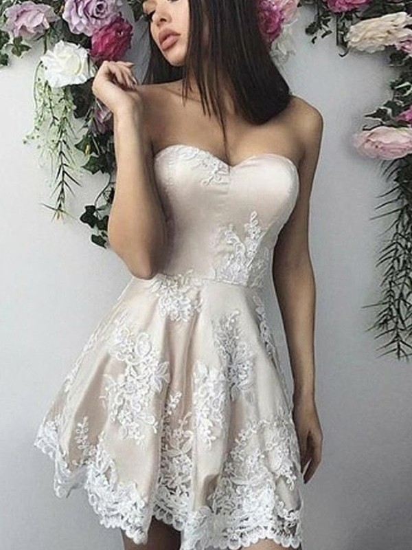 A-Line/Princess Lace Sweetheart Short Dress
