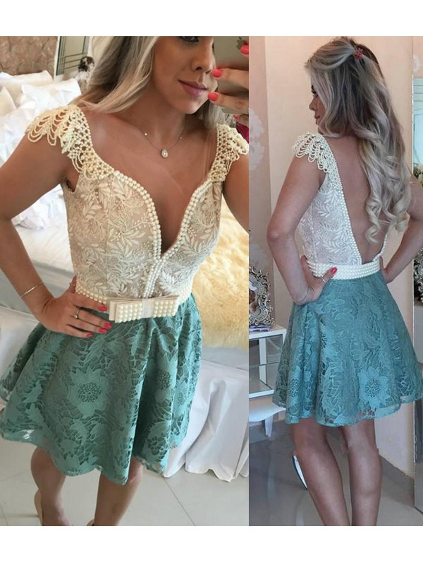 A-Line/Princess V-neck Lace Short Dress