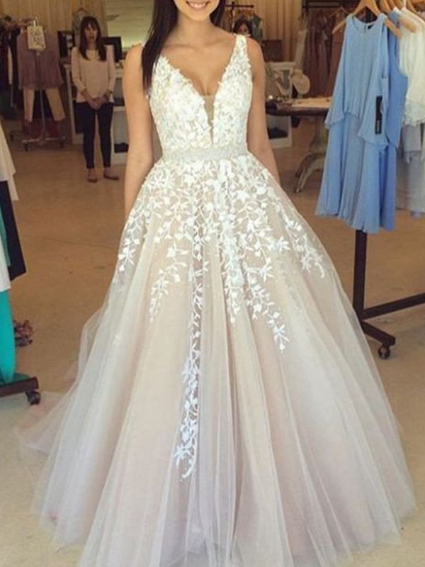 A-Line/Princess V-Neck Tulle Long Dress