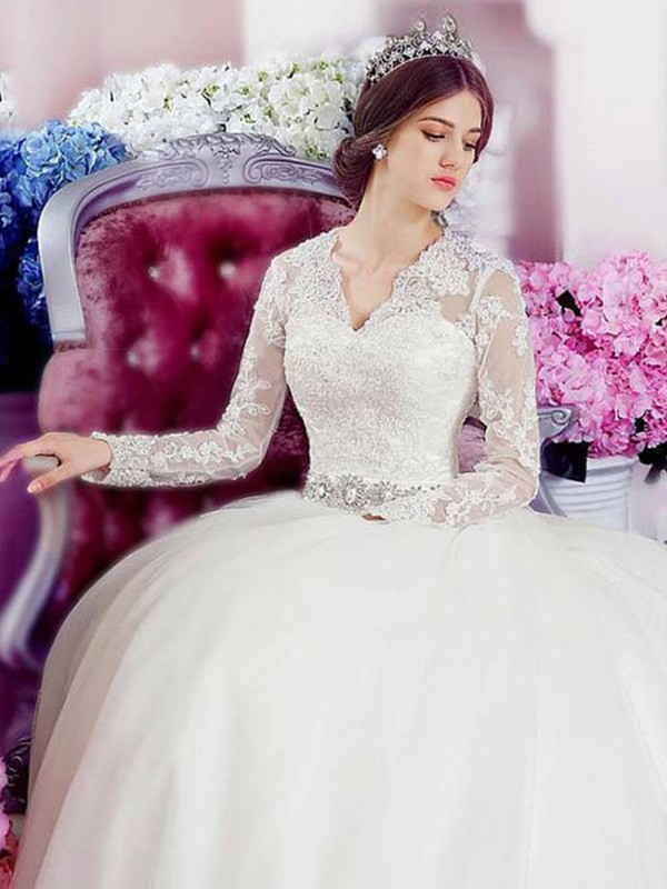 A-Line/Princess Long Sleeves V-neck Long Tulle Wedding Dress