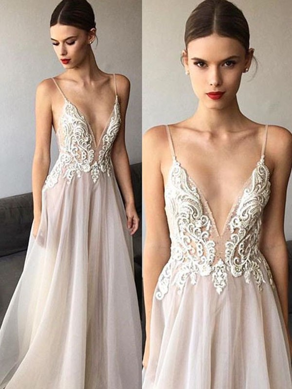 A-Line/Princess V-neck Long Spaghetti Straps Tulle Wedding Dress