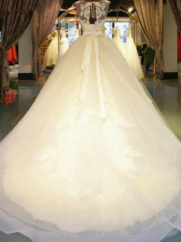 Ball Gown Off-the-Shoulder Long Lace Wedding Dress