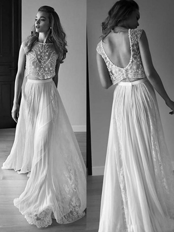 A-Line/Princess Scoop Tulle Long Wedding Dress